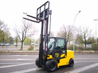 Four wheel counterbalanced forklift Yale GDP55VX - 7