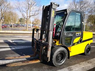 Four wheel counterbalanced forklift Yale GDP55VX - 1