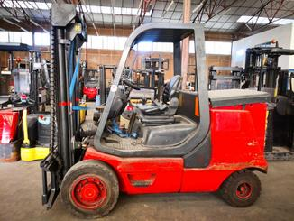 Four wheel counterbalanced forklift Fenwick E40P - 1