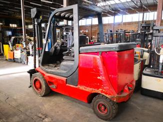 Four wheel counterbalanced forklift Fenwick E40P - 2