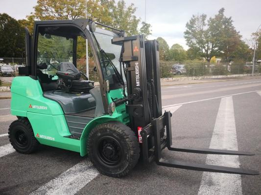 Four wheel front forklift Mitsubishi FD40N - 1