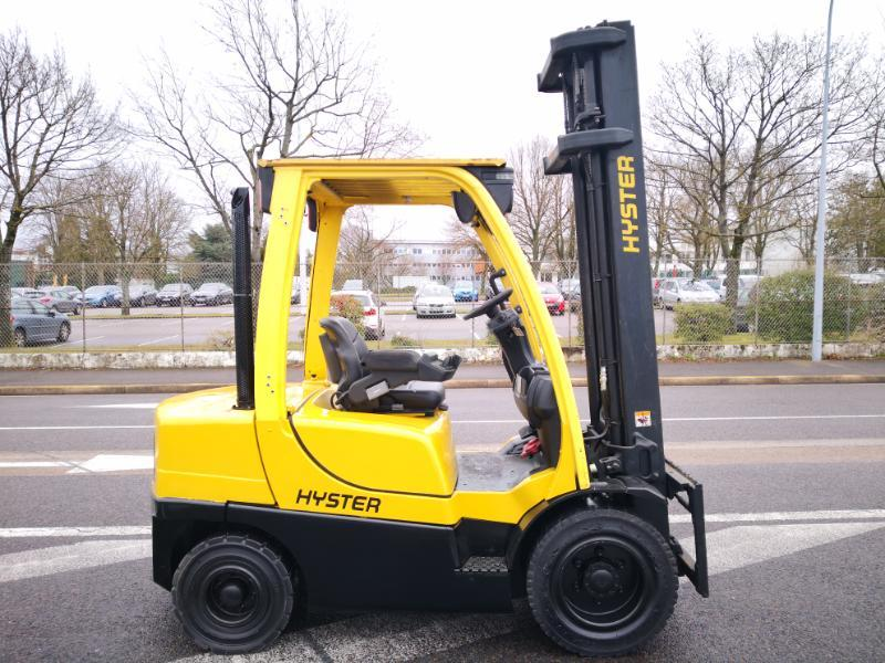 Four wheel counterbalanced forklift Hyster H3.00FT - 1