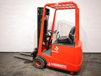 Three wheel counterbalanced forklift Mariotti MYCROS 15 - 4