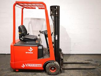 Three wheel counterbalanced forklift Mariotti MYCROS 15 - 3