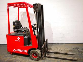Three wheel counterbalanced forklift Mariotti MYCROS 15 - 1