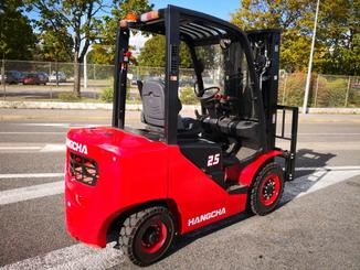 Four wheel counterbalanced forklift Hangcha XF25D - 5