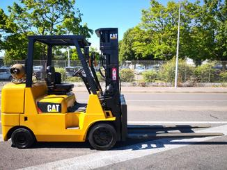 Four wheel counterbalanced forklift Caterpillar GC40K - 3