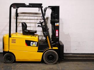 Four wheel counterbalanced forklift Caterpillar EP25K-PAC - 11