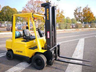 Four wheel counterbalanced forklift Hyster H2.50XM - 1