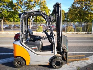 Four wheel counterbalanced forklift STILL RX70-16 - 1