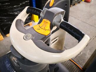 Electric pallet truck Crown WT3040 - 6