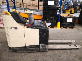 Electric pallet truck Crown WT3040 - 3