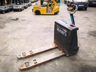 Pedestrian pallet truck Crown WP2315 - 5