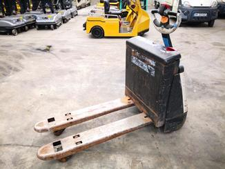 Pedestrian pallet truck Crown WP2315 - 6