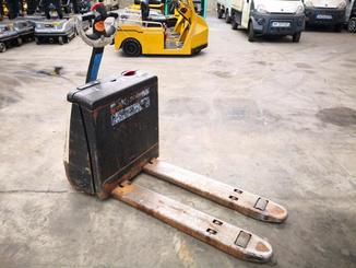 Pedestrian pallet truck Crown WP2315 - 7