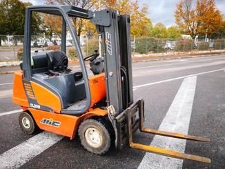 Four wheel counterbalanced forklift MIC CL20H - 1