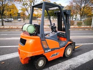 Four wheel counterbalanced forklift MIC CL20H - 4