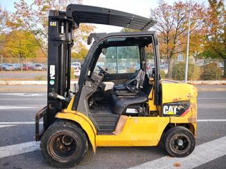 Four wheel counterbalanced forklift Caterpillar DP45N - 11