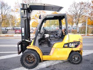 Four wheel counterbalanced forklift Caterpillar DP45N - 2