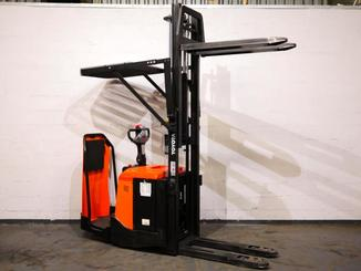 Stand-on pallet stacker Toyota 7SLL12.5F - 8