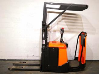 Stand-on pallet stacker Toyota 7SLL12.5F - 2