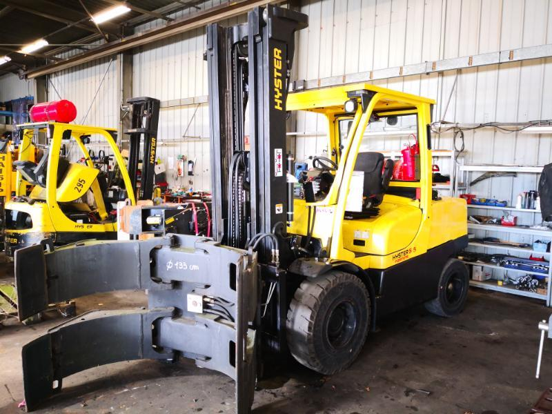 Four wheel counterbalanced forklift Hyster H5.50FT - 1