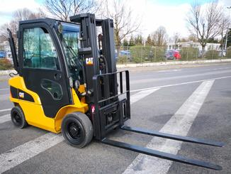 Four wheel front forklift Caterpillar GP25N2 - 2