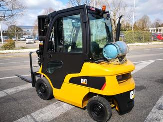 Four wheel front forklift Caterpillar GP25N2 - 1