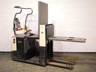 Low level order picker Crown GPC3045 - 9