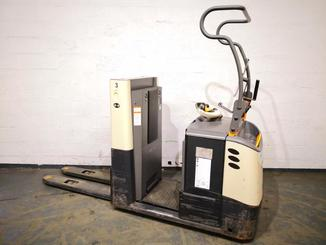 Low level order picker Crown GPC3045 - 1