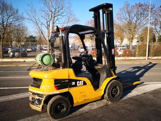 Four wheel front forklift Caterpillar GP30N - 4