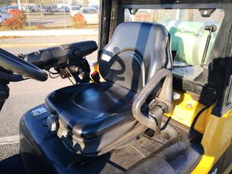 Four wheel front forklift Caterpillar GP30N - 6