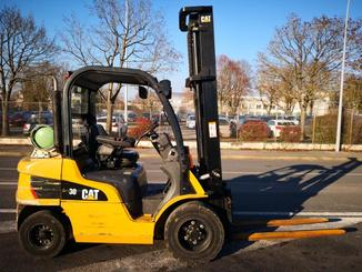 Four wheel front forklift Caterpillar GP30N - 3
