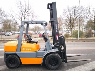 Four wheel counterbalanced forklift Toyota 02-6FD35 - 3