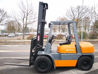 Four wheel counterbalanced forklift Toyota 02-6FD35 - 2