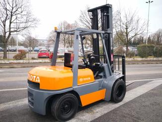 Four wheel counterbalanced forklift Toyota 02-6FD35 - 5