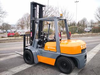 Four wheel counterbalanced forklift Toyota 02-6FD35 - 4