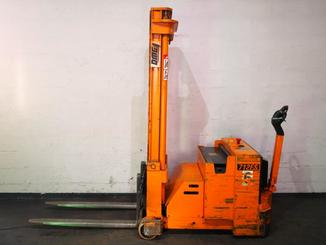 Counterbalanced stacker OMG 712FS - 2