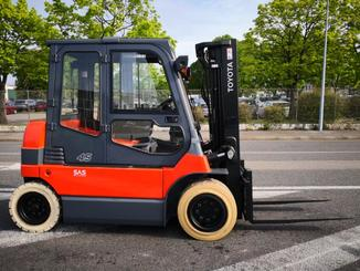 Four wheel front forklift Toyota  7FBMF45 - 3