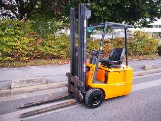 Three wheel counterbalanced forklift STILL R50/15 - 1