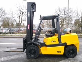 Four wheel front forklift Yale GLP55MJ - 2