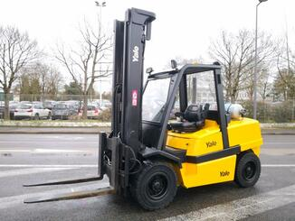 Four wheel front forklift Yale GLP55MJ - 1