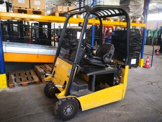 Three wheel front forklift Caterpillar EP16NT - 1