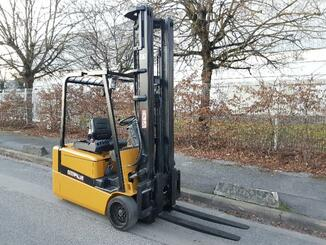 Three wheel front forklift Caterpillar EP20KT - 1