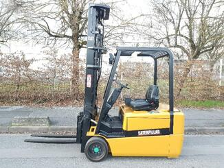 Three wheel front forklift Caterpillar EP20KT - 2