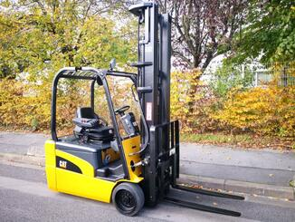 Three wheel front forklift Caterpillar EP20NT - 1
