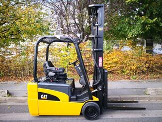 Three wheel front forklift Caterpillar EP20NT - 2