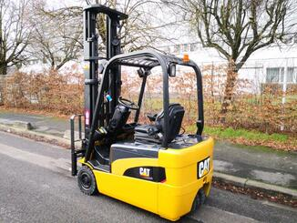 Three wheel front forklift Caterpillar EP20NT - 4