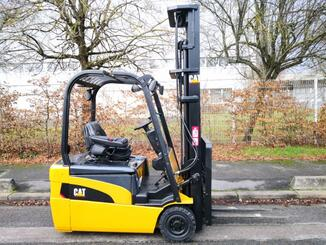 Three wheel front forklift Caterpillar EP20NT - 3