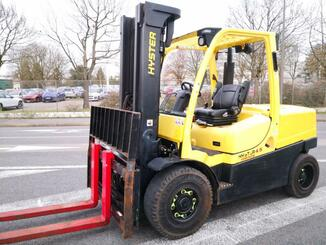 Four wheel front forklift Hyster H4.5FT - 1